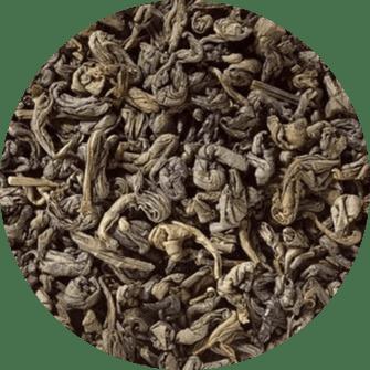 Groene thee Pekoe is beroemd als een alledaagse thee en is een van de meest populaire theesoorten geconsumeerd in China. Onze Groene Pekoe heeft een zachte smaak met een zachte, kalmerende aroma. De Pekoe thee is gemaakt van de bladeren van de Camellia sinensis.