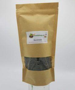 Brandnetel heeft als werkzame stoffen o.a. looistoffen, netel gif in de brandharen, histamine, acetylcholine, mierenzuur, vitamine A en C