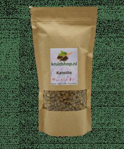 Van de Kamille worden de bloemen gebruikt voor de kruidenthee. Het belangrijkste bestanddeel van de kamille is de etherische olie. Verpakt per 70 gram in handige stazak