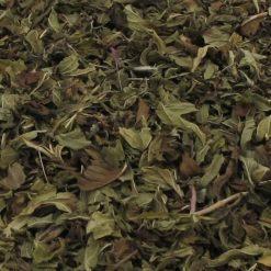 Pepermunt als kruidenthee thee is bekend als goed bij overgeven of braakneigingen. Ook bij een naar gevoel in de maag kan een kopje pepermunt thee helpen.