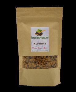 Kurkuma, ook wel bekend als geelwortel (Turmeric), is een specerij gewonnenuit de plant Curcuma longa. Het wordt gemaakt van de wortel van de plant enbehoort tot de Gember familie.Kurkuma, (Surinaams-Nederlands) koenier, (Indisch-Nederlands) koenjit.Het merendeel van de kurkuma-oogst komt uit India.