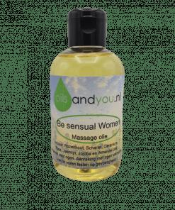 Be Sensual Women Massageolie op basis van Rozenhout, Scharlei, Geranium, Roos, Jasmijn, Jojoba en Amandel olie.