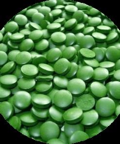Brands of Nature Chlorella BIO. De tabletten zijn zuiver plantaardig en goed verdraagbaar. Ze bevatten geen dierlijke stoffen en geen kunstmatige toevoegingen. Ze zijn vrij van suiker, additieven, gluten, kunstmatige smaak- en kleurstoffen en conserveringsmiddelen.